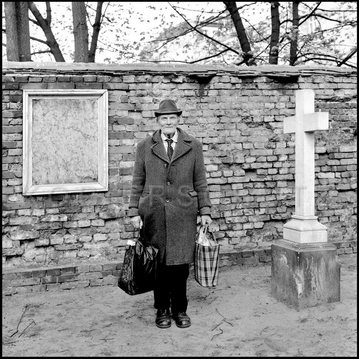 Nr05-011_Berlin-Dorotheenstädtischer-Friedhof-25.4.1984