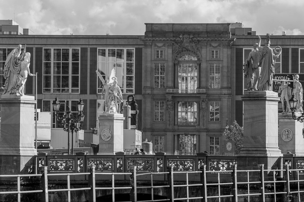 Nr.01c_124_9.Okt2017 Schlossbrücke