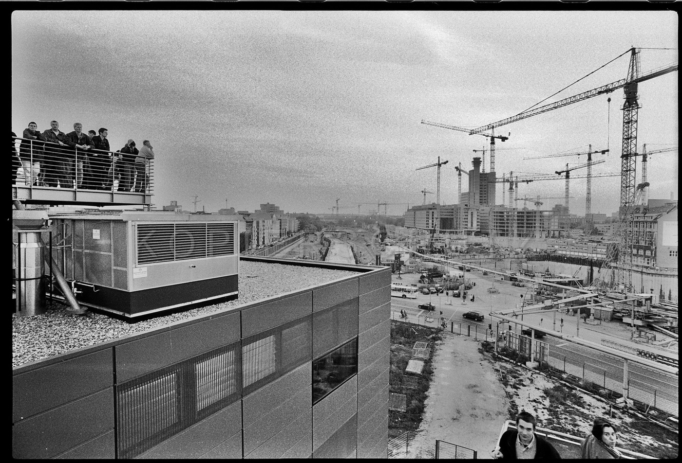 Nr01-043_Infobox-Potzdamer-Platz-12.10.1996