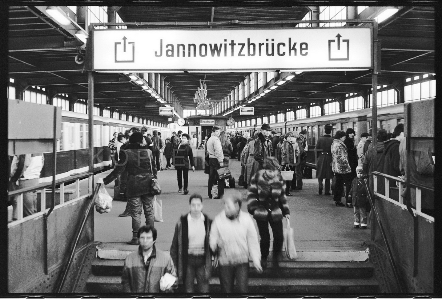 Nr01-044_Janowitzbrücke-7.12.1984