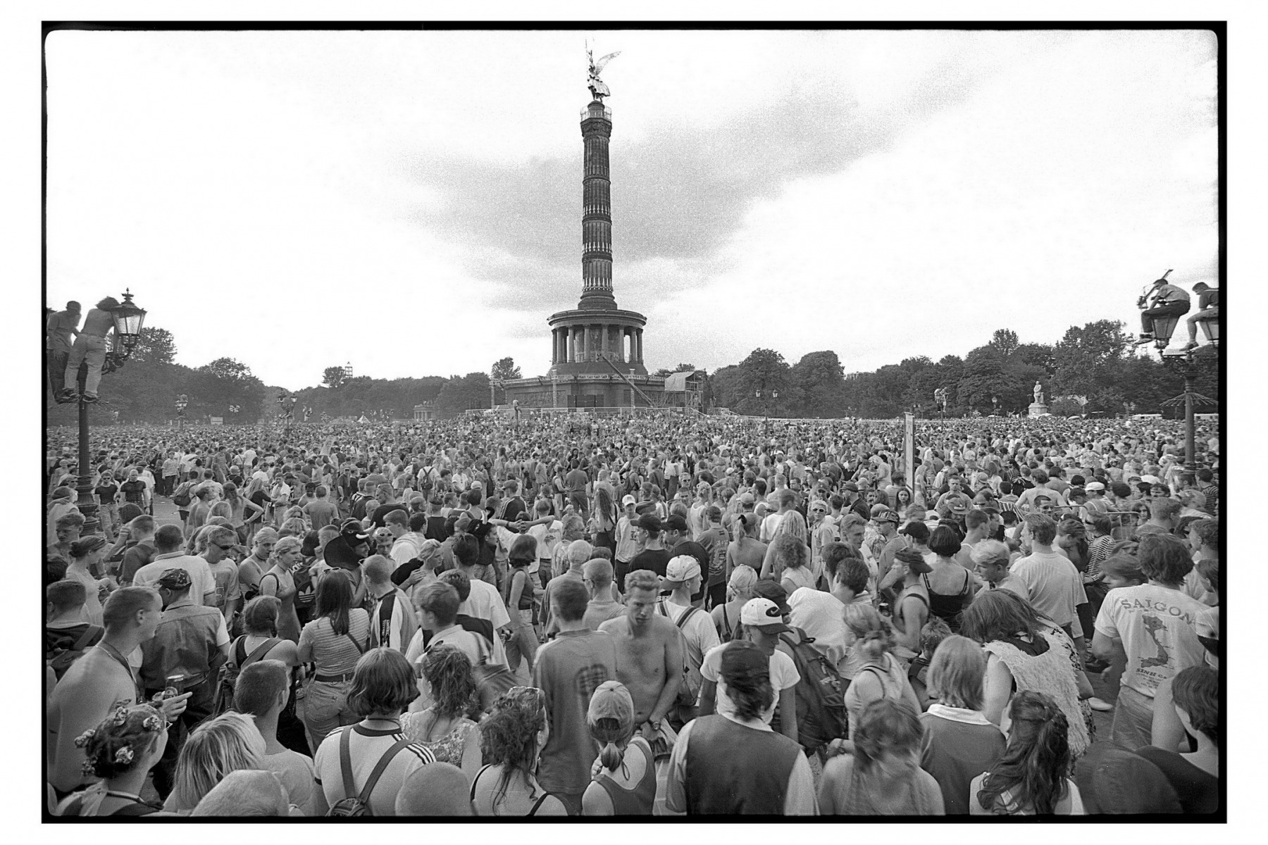 Nr01-056_Love-Parade-12.7.1997