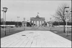 Nr01-017_Brandenburger-Tor-15.4.1988