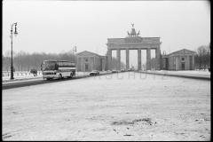 Nr01-018_Brandenburger-Tor-8.12.1993