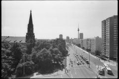 Nr01-039_Greifswalder-Allee-24.5.1989