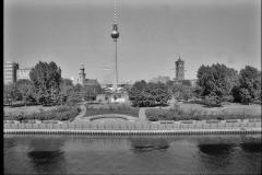 Nr01-088_Palast-der-Republik-18.5.1993