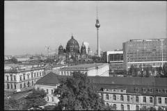 Nr01-108_Staatsoper-vom-Dach-1987