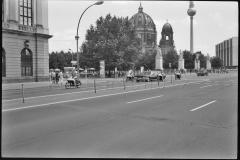 Nr01-122_Unter-den-Linden-17.6.1988