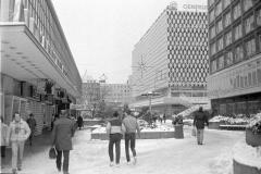Nr01-148-am-Bahnhof-Alexanderplatz-30.12.85-