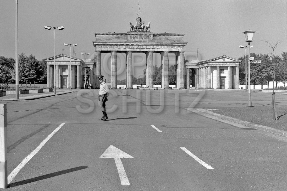 Nr03-07_1987-Pariser-Platz-
