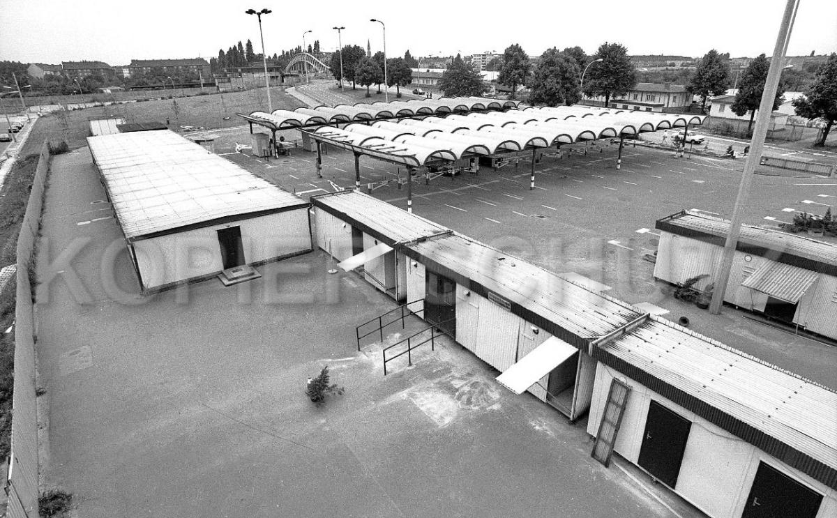 Nr03-133_24.7.1990-Grenzübergang-Bornholmerstr.-Finnländichestr-