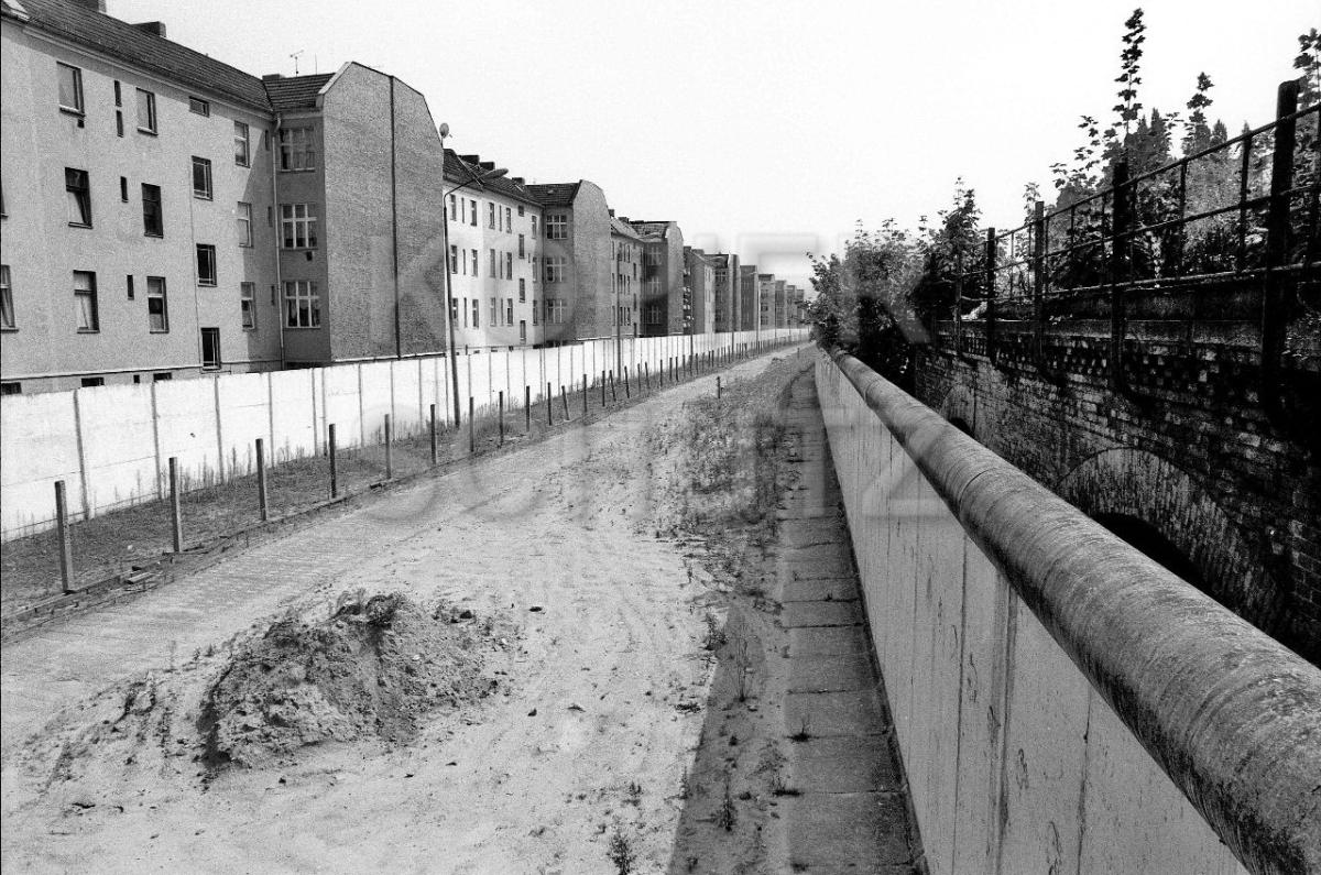 Nr03-137_31.7.1990-Hofseite-Brehmestr-