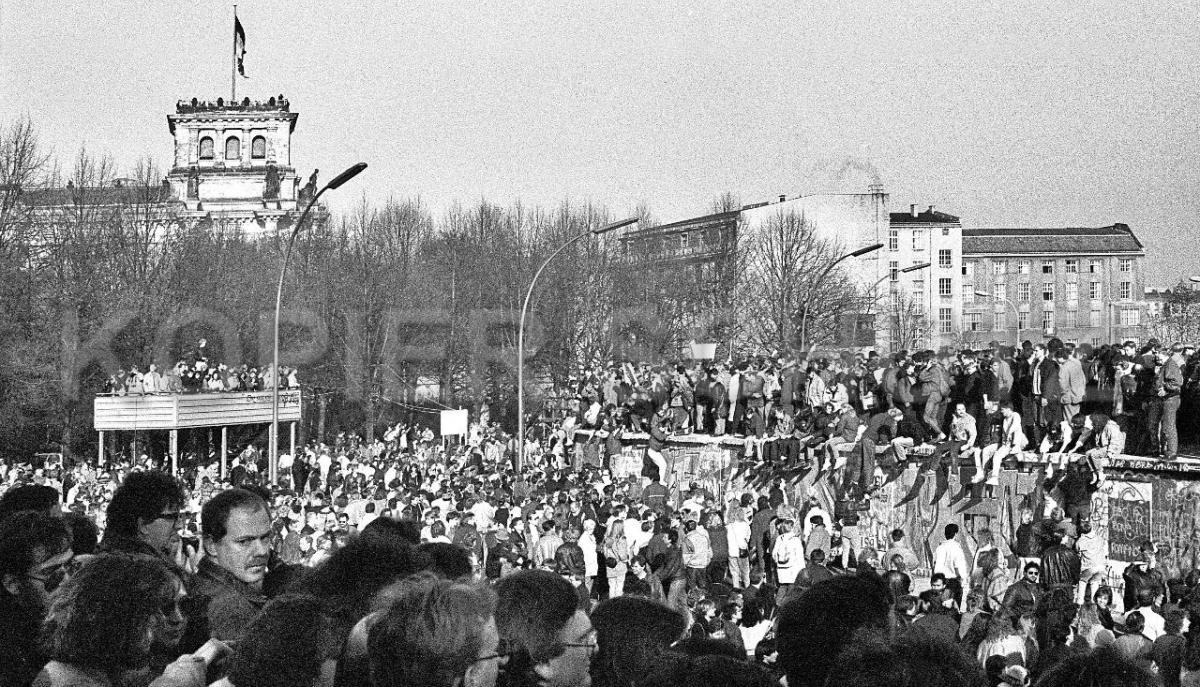 Nr03-15_10.11.1989-Brandenburger-Tor-Westseite
