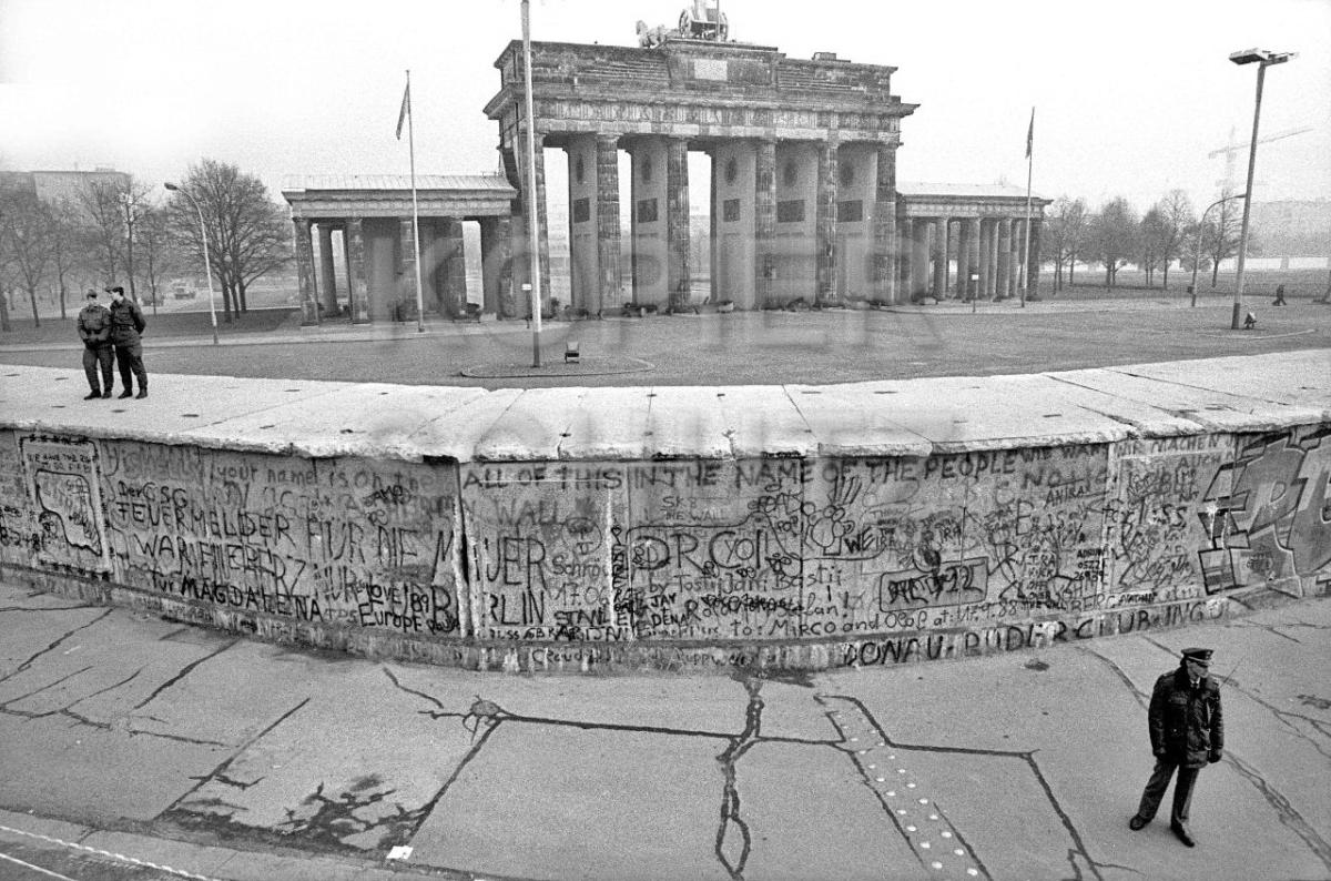 Nr03-22_14.11.1989-Brandenburger-Tor-Westseite