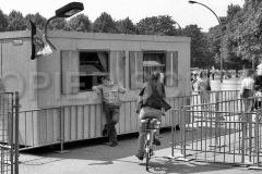 Nr03-113_25.6.1990-Brandenburger-Tor-Westseite-