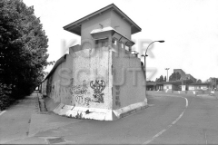 Nr03-124_3.7.1990-Grenzübergang-Heinrich-Heine-Str-