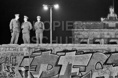 Nr03-19_12.11.1989-Brandenburger-Tor-Westseite-