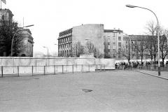Nr03-44_22.1.1990-Brandenburger-Tor-Ausreise-Ostseite