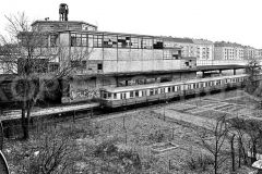 Nr03-45_27.1.1990-S-Bahnhof-Bornholmerstraße-Westseite-der-Bösebrücke-