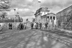 Nr03-58_12.3.1990-Brandenburger-Tor-Einreise-Westseite-