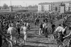 Nr03-93_1.4.1990-Falkplatz-Baumpflanzung-