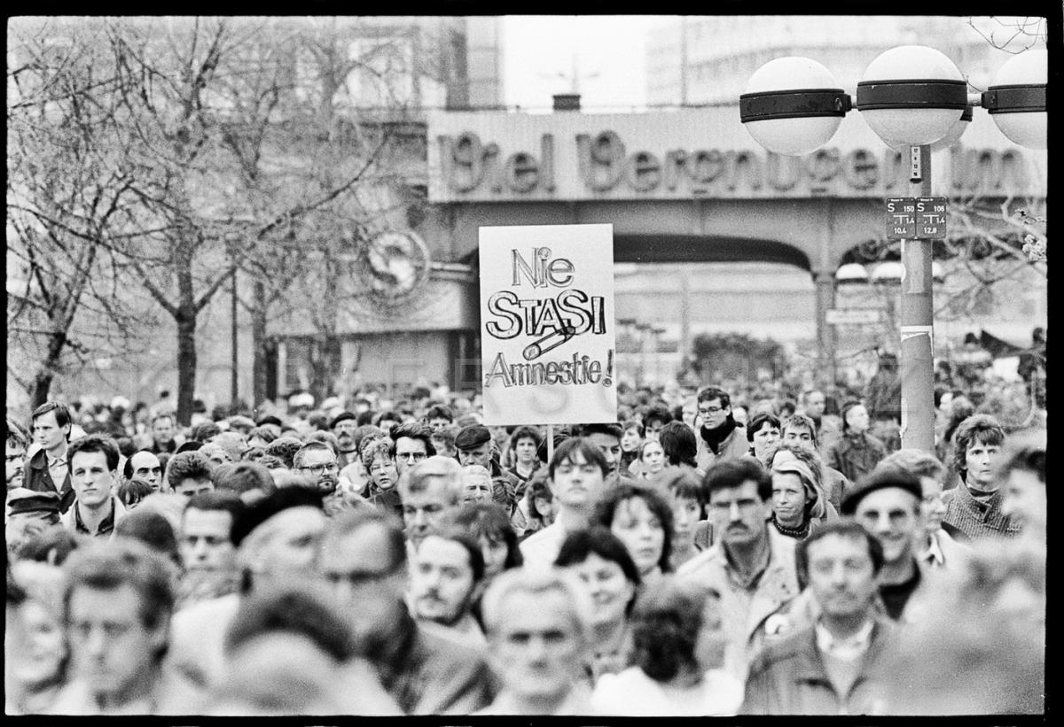 Nr07-042_Rathausstraße-29.03.1990