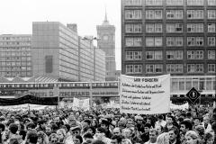 Nr07-012_Demonstranten auf dem Alexander Platz_4.11.1989
