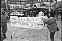 Nr07-016_Demonstranten auf dem Alexander Platz_4.11.1990