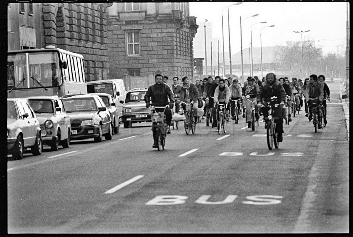 Nr12-15_Leipzigerstraße-24.11.1990