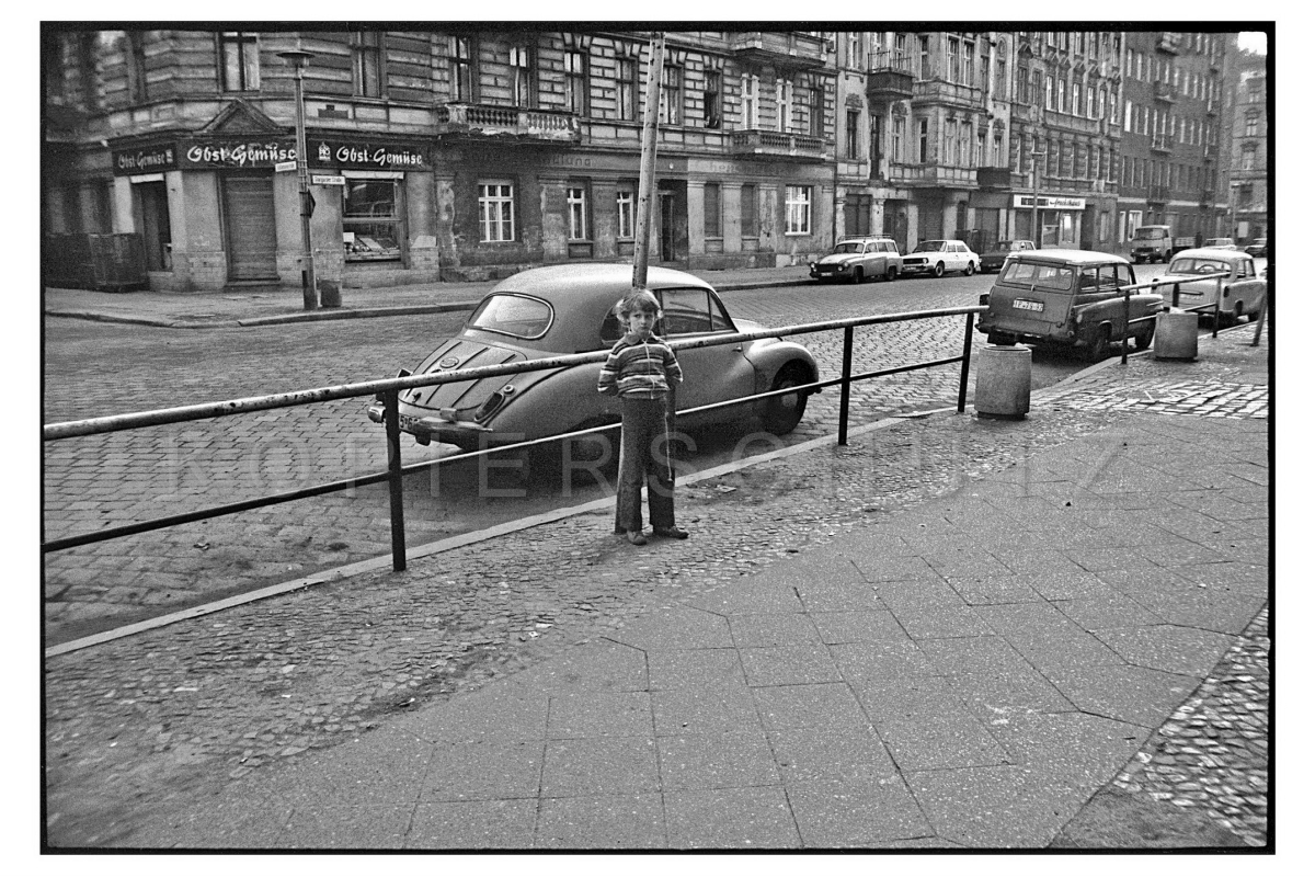 Nr06-084_Stargarderstraße-Ecke-Schliemannstraße-11.5.1980