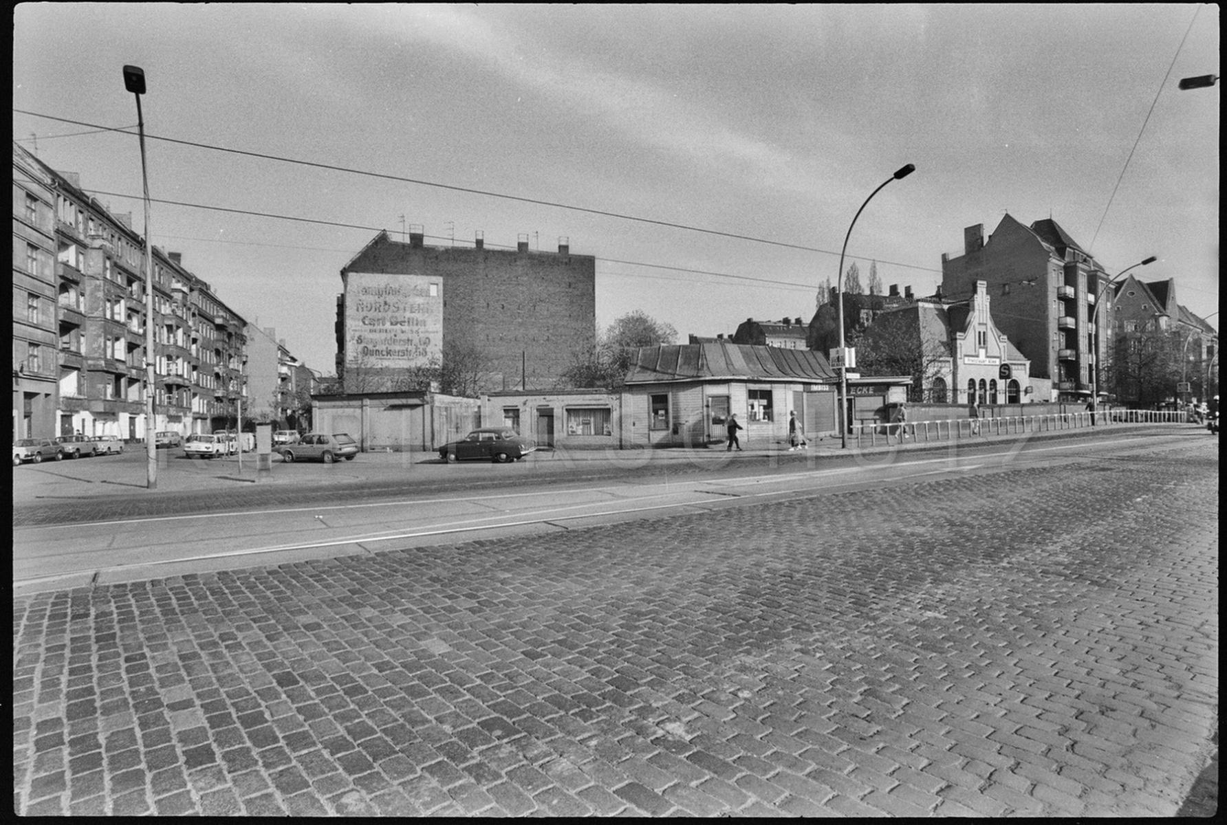 Nr02-058_Prenzlauer-Allee-30.4.1987
