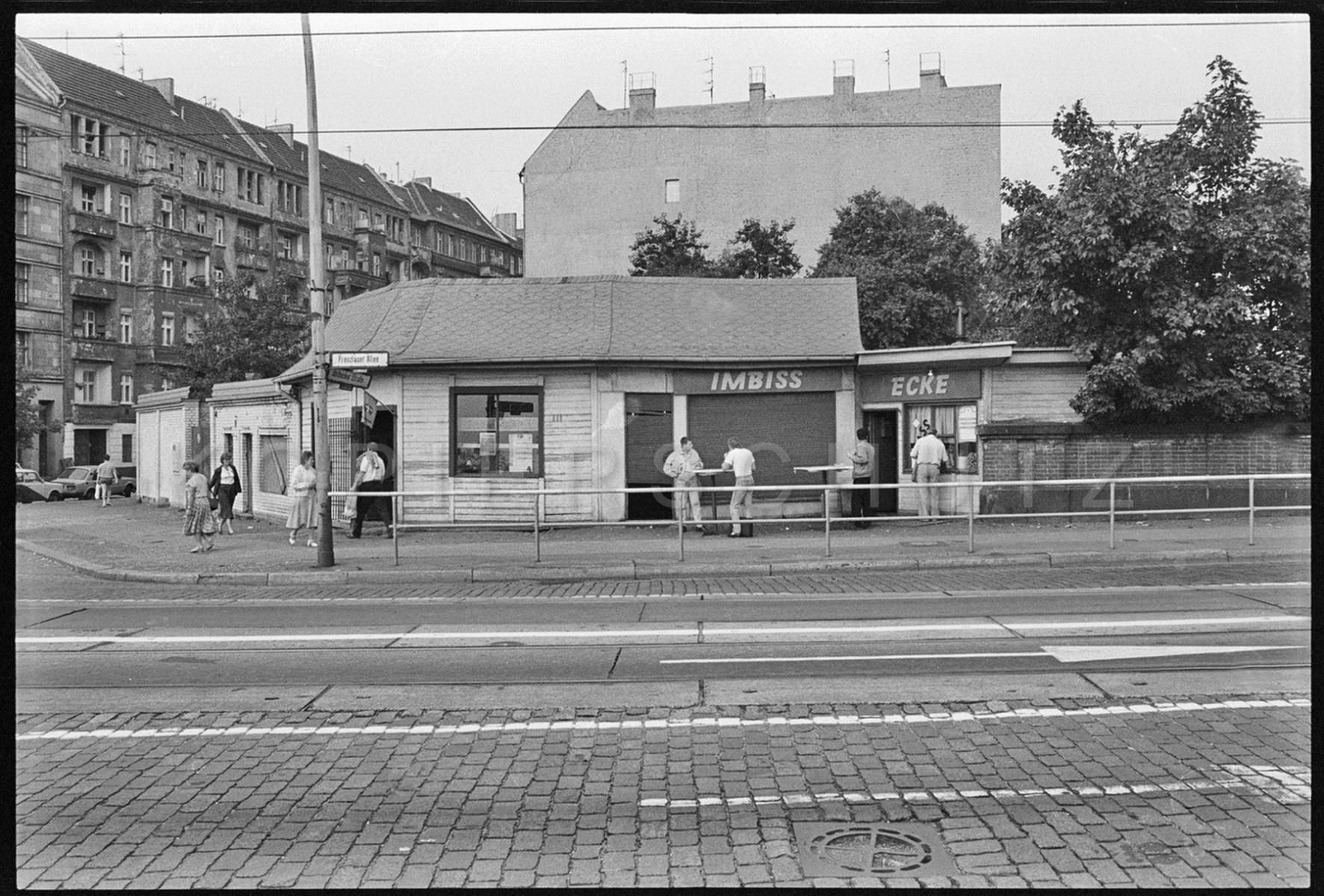 Nr02-059_Prenzlauer-Allee-20.9.1989