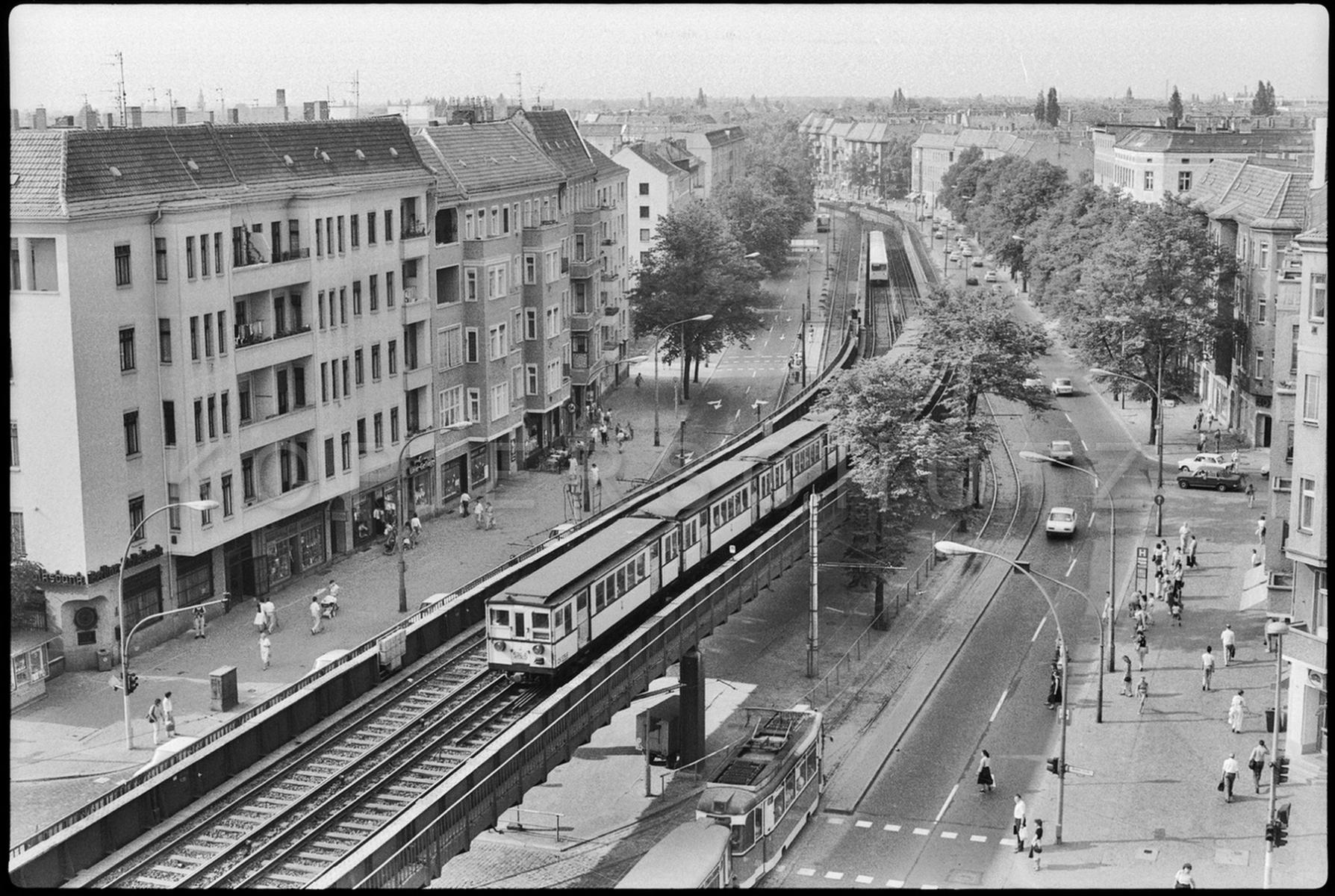 Nr02-083_Schönhauser-Allee-26.5.1989